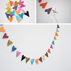 彩色卡纸制作漂亮桃心挂饰的方法图解教程