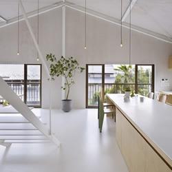 白色系仓库改造房屋 家庭梦寐以求的逸品!