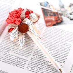 不织布手工制作漂亮婚礼签到笔的方法图