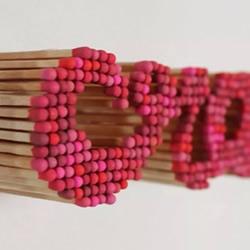 火柴棍创意DIY 在相框里拼出文字