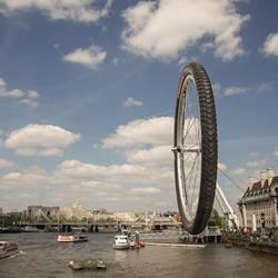 摄影师用幽默镜头颠覆你的伦敦印象