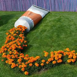 Spilled Flower Pots园艺法 让后院成画卷