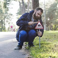 立陶宛为了动物居民打造的温暖迷你路标