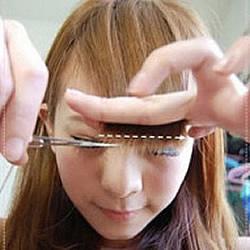 自己剪刘海的方法 简单3步骤剪出可爱妹妹头