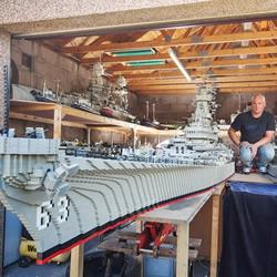 """三年打造""""最大乐高战舰"""" 刚完工就被破纪录"""