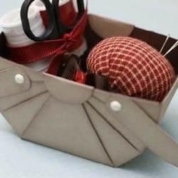 纸盒废物利用 折纸制作带拉手的收纳盒图