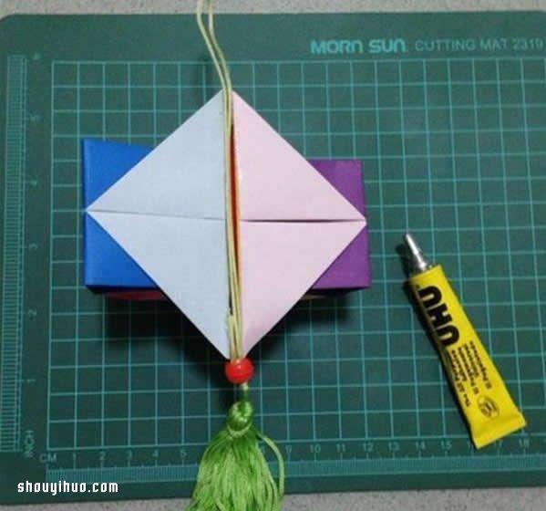 折纸灯笼制作方法图解 简单漂亮灯笼的做法教程 -  www.shouyihuo.com