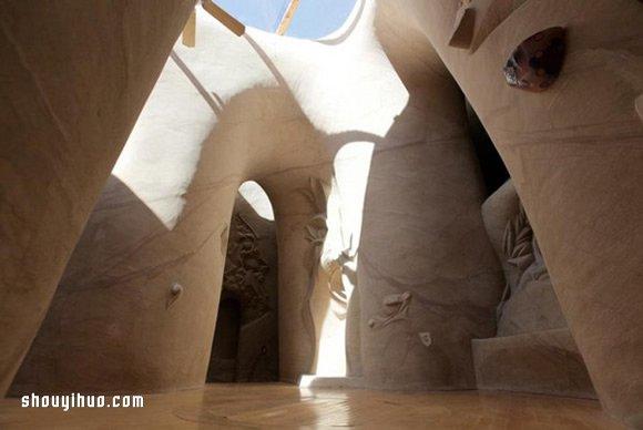 Ra Paulette的藝術夢:10年徒手雕出夢想城堡