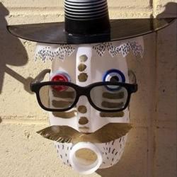 塑料瓶变废为宝小制作 DIY奇异的面具挂饰