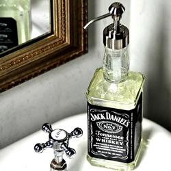 喝完的酒瓶废物利用DIY手工制作洗手液瓶