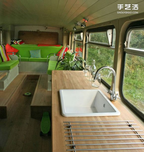报废双层巴士改造翻新而成的真正汽车旅馆 -  www.shouyihuo.com