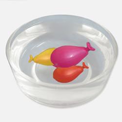 科学小实验:施展魔法让气球乖乖听话