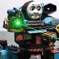 集创意、技术于一身的遥控汤玛士六爪机器人