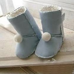 UGG婴儿雪地靴制作图解 自制可爱婴儿保暖