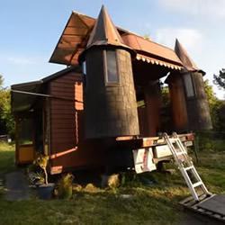 破卡车大改造!买不起房子就亲手打造移动城堡