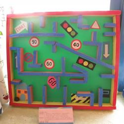 幼儿园玩教具制作:教孩子识别交通标识模型