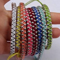 编织绳缠绕上金属珠串 DIY混搭出你的专属手链