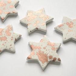 超轻粘土冰箱贴制作方法 粘土五角星星冰箱贴DI