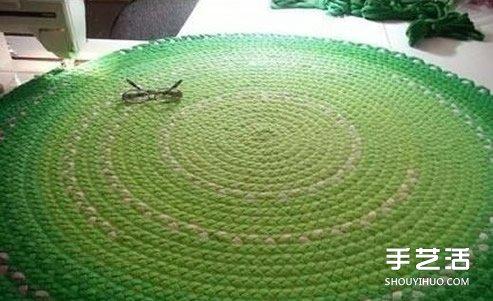 舊T恤編織地毯的方法步驟 漂亮的圓形地毯DIY