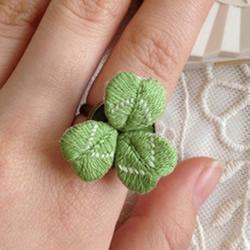 可爱小清新刺绣三叶草戒指DIY 戴着美呆啦