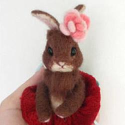 如何制作羊毛毡兔子 毛绒兔子羊毛毡DI