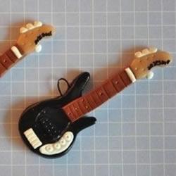 超轻粘土DIY制作迷你吉他的教程 可以当挂