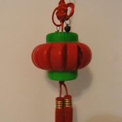 简易瓶盖灯笼手工制作教程 瓶盖做灯笼的