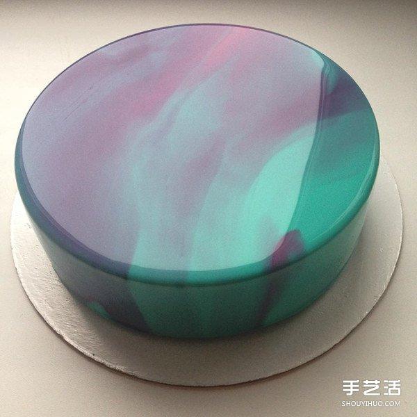 如镜子般反射的超完美镜面蛋糕 简直是艺术品
