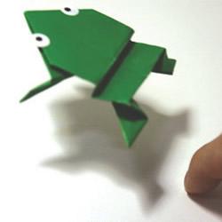 会跳的青蛙怎么折图解 会跳的青蛙折纸步