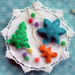 圣诞主题不织布雪花、圣诞树和姜饼人挂件制作
