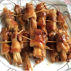 五花肉卷金针菇的做法 家常五花肉卷金针菇煎法