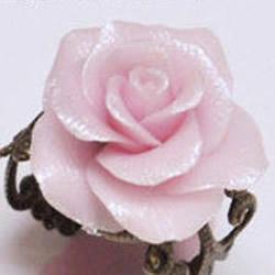 软陶玫瑰花制作教程 进一步做出软陶花戒指