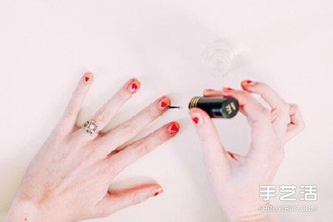 招桃花的小清新美甲DIY 可愛桃花美甲圖片教程