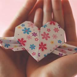 带翅膀的爱心怎么折 带翅膀的爱心折法图