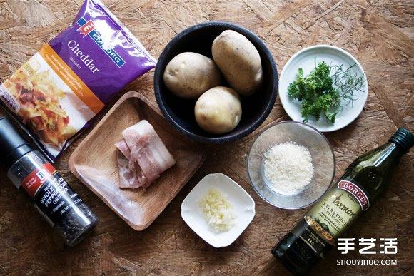 简易派对料理菜谱 焗烤手风琴马铃薯的做法