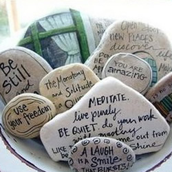 漂亮的石绘图片欣赏 鹅卵石手绘作品图片