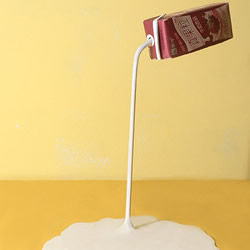牛奶盒废物利用DIY制作创意台灯的方法步
