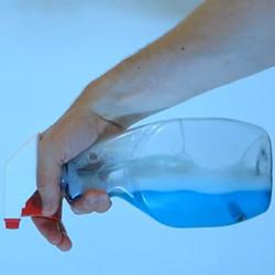 不管什么角度都能喷 好用的喷雾瓶改造