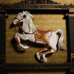 精致纸雕艺术作品 创造出更多不同的可能性