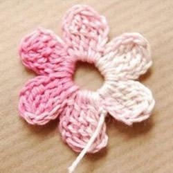钩针小花朵图解教程 六个花瓣装饰小花的