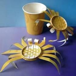 幼儿园螃蟹模型制作 一次性纸杯做螃蟹的
