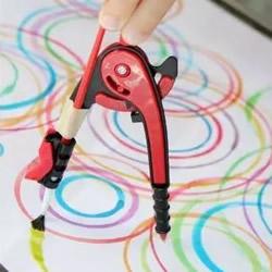 幼儿数学启蒙游戏:彩色几何图形抽象画玩法