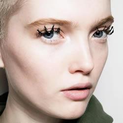 只需3个步骤 就能打造出戏剧般效果的蜘蛛睫毛