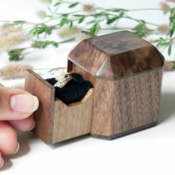 质朴温暖的木质收纳盒 专为珠宝打造的木器收纳