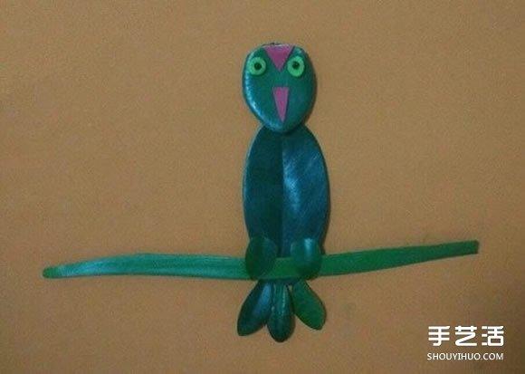 小鸟树叶贴画制作图片 叶片贴图可爱小鸟做法 -  www.shouyihuo.com