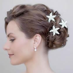 造型上的小心机 3款简单发饰打造女生迷人发型