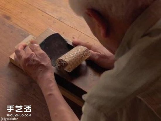 """传奇手艺""""寄木细工"""":木块拼花纹后刨成薄纸 -  www.shouyihuo.com"""