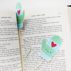 手工制作可爱手套书签 冬日暖暖的手套书