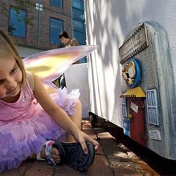 让孩子在梦想中长大 安娜堡街上的妖精之门
