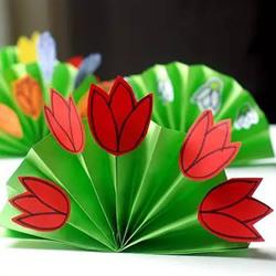 幼儿花圃手工制作图片 简单折纸花丛的教